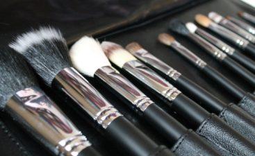 Τα βασικά πινέλα μακιγιάζ-Καθαρισμός & φροντίδα